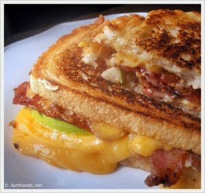 Apple Bacon Cheddar Melts with Roasted Red Onion Mayo